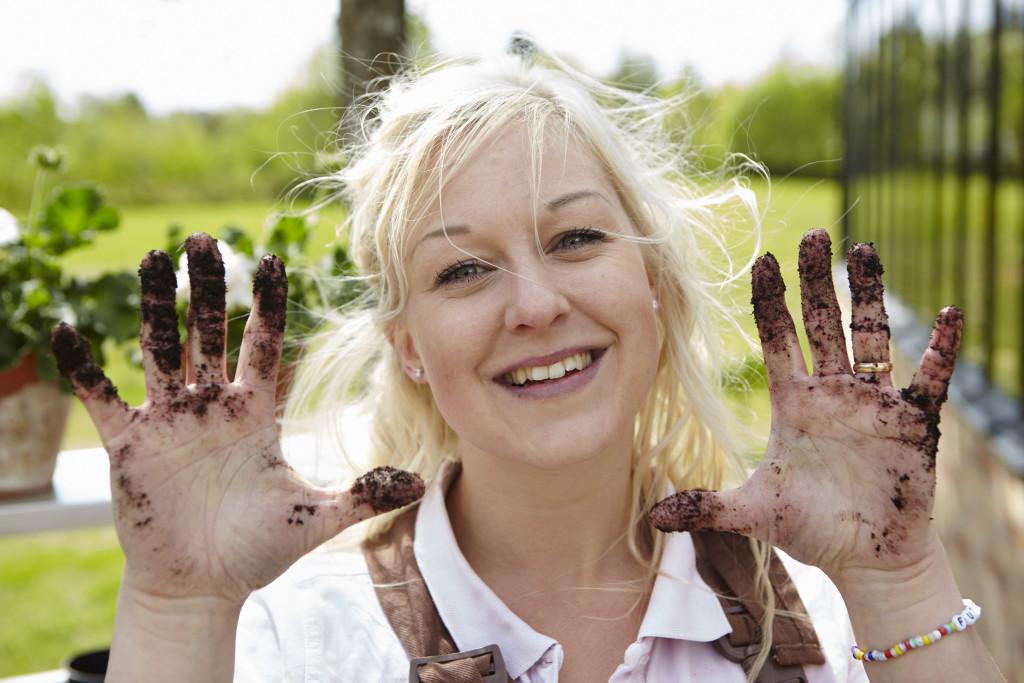 Rebecka Nilsson bloggare och säljare på Willab Garden. Trädgård i Munka-Ljungby